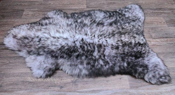 peau de mouton couleur gris m ches fonc es tannage cologique. Black Bedroom Furniture Sets. Home Design Ideas