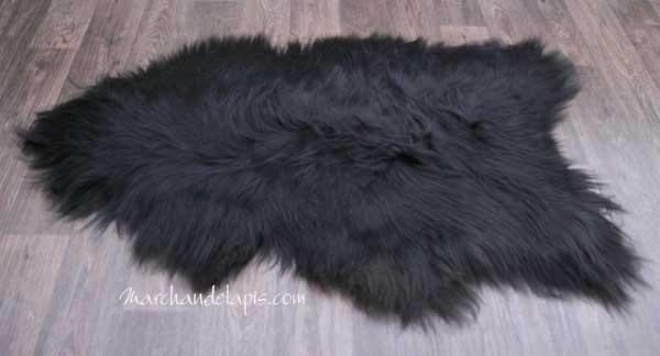 peau de mouton noire marron 100 110cm long tannage cologique une s lection marchand de tapis. Black Bedroom Furniture Sets. Home Design Ideas