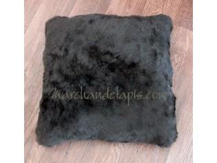Coussin peau de mouton. Noir Marron poils courts