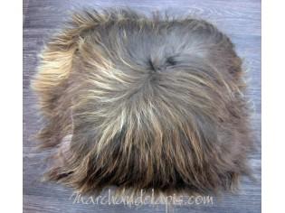 Coussin peau de mouton. Marron rustique poils longs