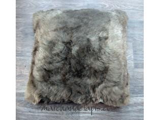 Coussin peau de mouton. Marron rustique poils courts