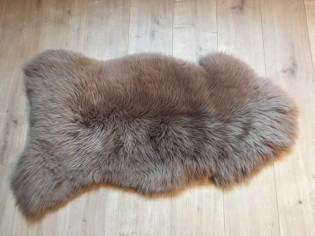Peau de mouton. Beige - 100-110cm