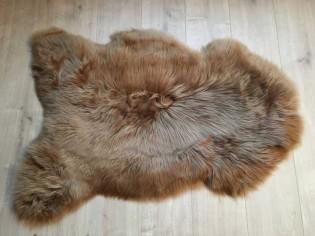 Peau de mouton. Camel - 100-110cm