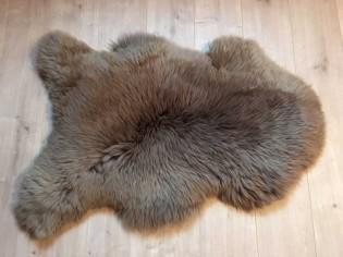 Peau de mouton. NutriaBrown - 100-110cm