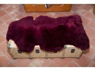 Peau de mouton. Lie de vin - 110-120cm
