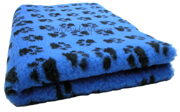 tapis chien antidrapant bleu pattes noires drybed le meilleur tapis chien chat et nac. Black Bedroom Furniture Sets. Home Design Ideas
