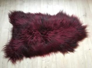 Peau de mouton Islande-100cm/110cm - Bordeaux mèches noires
